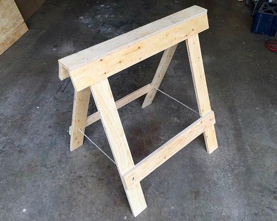 Strong-Folding-Plywood-Sawhorses