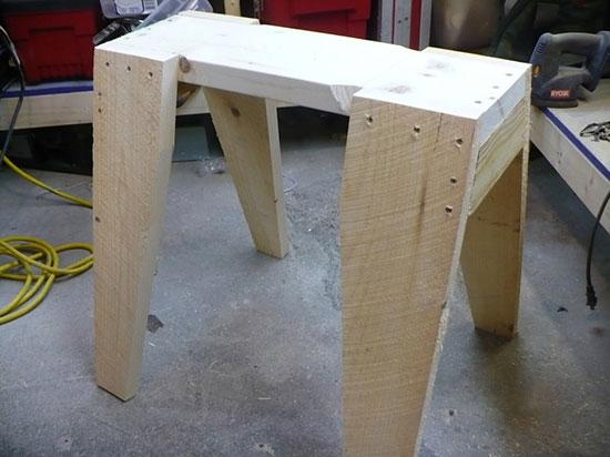 Super-Simple-Scrap-Wood-Sawhorse